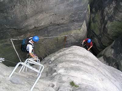 Klettersteig Sächsische Schweiz : Klettersteige im elbsandstein die häntzschelstiege